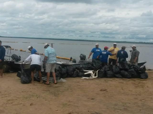 APTL promove limpeza no rio Sucurui em MS
