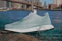 Adidas lanca tenis feito com redes de pesca e lixo de praia