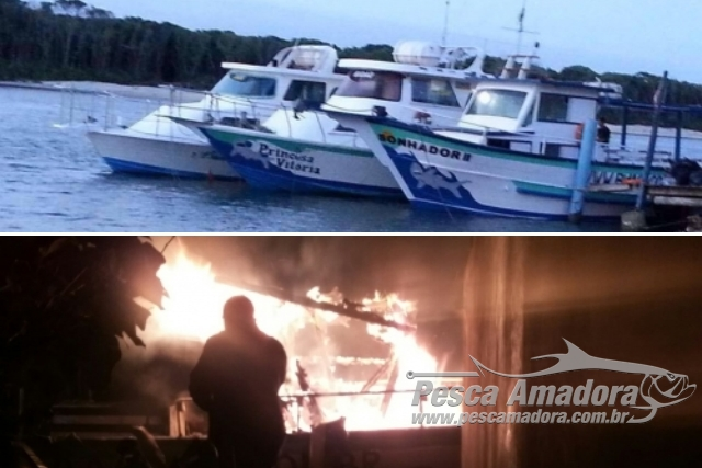Barco de turismo de pesca esportiva e incendiado em SC