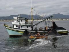 Barco pesqueiro em Santos-SP