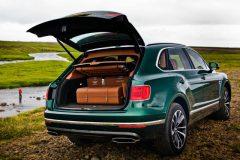Bentley Bentayga lanca modelo SUV com compartimento e kit de pesca de fly de serie 2