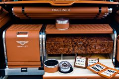 Bentley Bentayga lanca modelo SUV com compartimento e kit de pesca de fly de serie