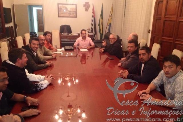 Braganca Paulista assina decreto de proibicao de pesca em lagos do municipio
