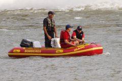 Buscas por jovens que cairam em vertedoudo na Usina Hidreletrica Chapeco-SC 3