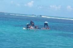 Caca submarina flagrada em area de protecao em Maceio-AL