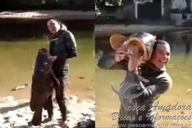 Cacador abate mero peixe na lista de extincao em Marica-RJ