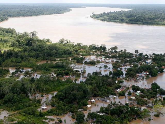 Cheia em Rondonia deixa casas debaixa dagua