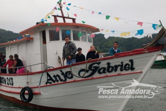 Barco Anjo Gabriel desaparece com sete pessoas a bordo em Bertioga-SP