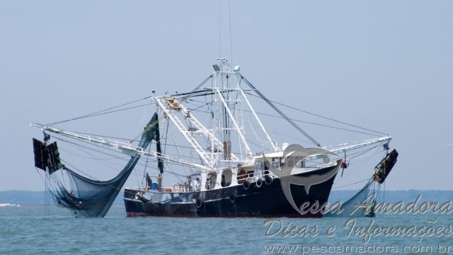 Embarcacao pesqueira na Europa