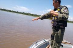 Forca Verde recolhe redes e espinheis durante fiscalizacao no PR