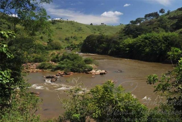 Formacao do Rio Doce no encontro dos Rios Piranga e Rio do Carmo