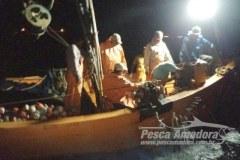 Ibama apreende atuneiro e 19 sao presos por pesca ilegal na Baia de Sepetiba-RJ