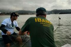 Ibama recolhe 12 redes de pesca e 3 tartarugas mortas na Foz do Rio Itapemirim-ES