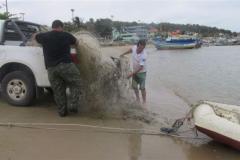 Ibama recolhe 12 redes de pesca e 3 tartarugas mortas na Foz do Rio Itapemirim-ES 6