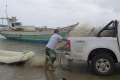 Ibama recolhe 12 redes de pesca e 3 tartarugas mortas na Foz do Rio Itapemirim-ES 7