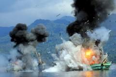 Indonesia afunda mais 27 barcos por praticarem pesca ilegal no pais 4