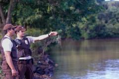 Itaipu discute acoes para coibir a pesca ilegal no Canal da Piracema 2
