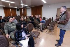 Itaipu discute acoes para coibir a pesca ilegal no Canal da Piracema