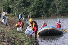 Limpeza do lago da piracema em Foz do Iguacu