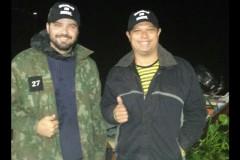 Marinha resgata dois pescadores que ficaram perdidos no Rio Paraguai-MS 2
