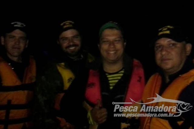 Marinha resgata dois pescadores que ficaram perdidos no Rio Paraguai-MS