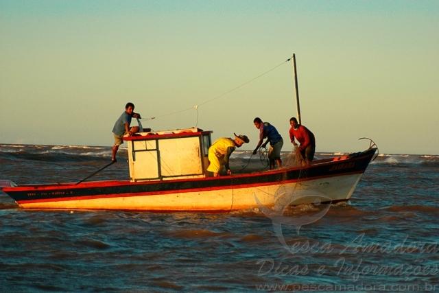 Ministerio publico proibe pesca na Foz do Rio Doce no ES