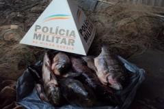PM apreende redes e pescado ilegal na Lagoa Grande em Formiga-MG