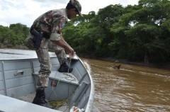 PMA-MS recilhe rede de pesca durante fiscalizacao