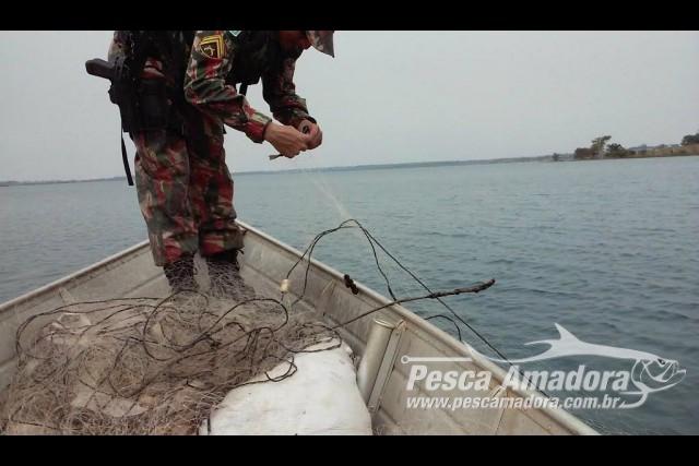 pma-apreende-1-000-metros-de-redes-100-metros-de-espinheis-62-anzois-de-galho-e-solta-17-kg-de-pescado-em-ms