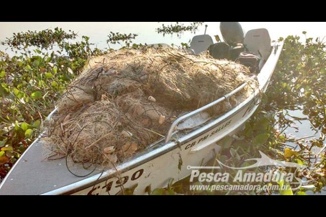 PMA apreende 2.500 metros de redes e 43 kg de pescado ilegal no Rio Parana-SP