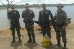 PMA apreende 5 redes e espinheis no Lago Serra do Facao em Goias 2