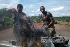 PMA apreende 600 m de redes e devolve 20 kg de peixes no Rio Parana-MS