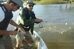 PMA apreende 600 m de redes na Lagoa dos Quadrados no RS