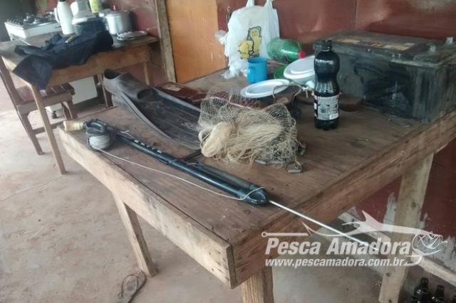 pma-apreende-material-para-pesca-ilegal-em-rancho-no-rio-paranaiba-em-mg