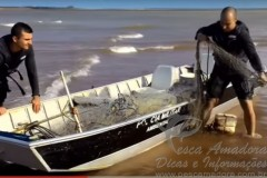 PMA apreende rede de pesca em local proibido no litoral de Linhares-ES