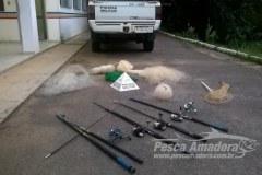 PMA apreende redes de pesca no Rio Muriae MG