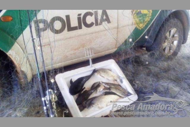 PMA apreende redes no Rio Parana e flagra pesca ilegal em area de conservacao no PR