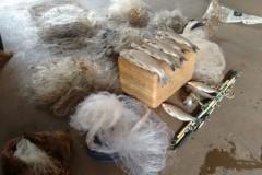 PMA apreende redes tarrafas e 8 kg de pescado ilegal no Rio Ivai-PR