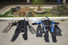 PMA apreende roupas de mergulho e ablatetes proximo a usina no Rio Grande