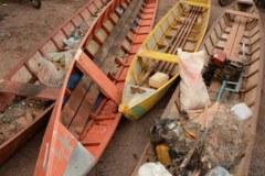 PMA combate a pesca ilegal e apreende redes e canoas no Rio Vermelho-MT