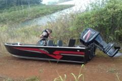 PMA encontra dois barcos abandonados na represa de Nova Ponte-MG 2