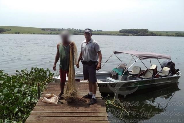 PMA flagra pesca ilegal e apreende tarrafa no Rio Tiete em Arealva-SP