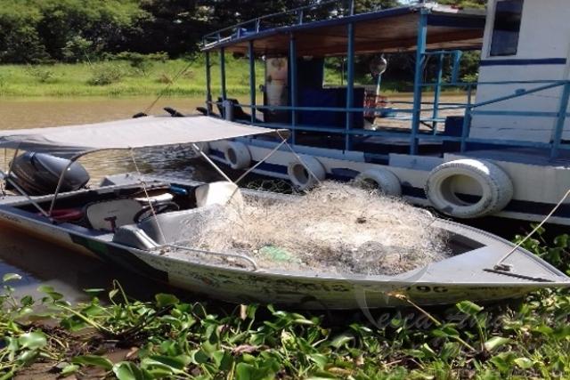 PMA recolhe 2.000 metros de redes irregulares do Rio Parana em Panorama-SP