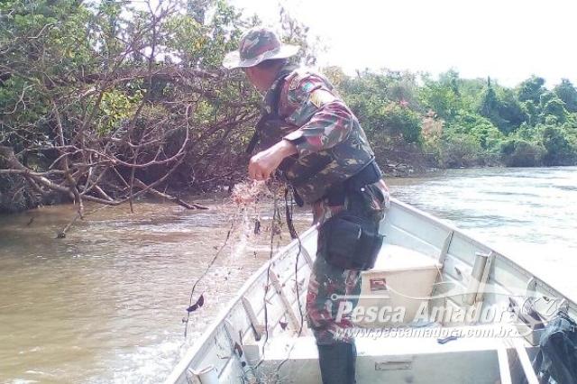 pma-recolhe-redes-anzol-de-galho-e-autua-pescador-por-pescar-sem-licenca-no-ms