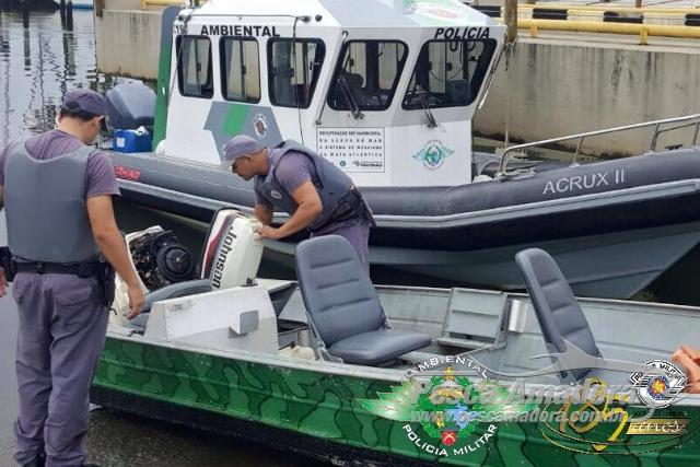 PMA recupera barco de pesca no litoral Sul de SP