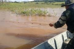 PMA retira 700m de redes irregulares na represa Capirava no PR