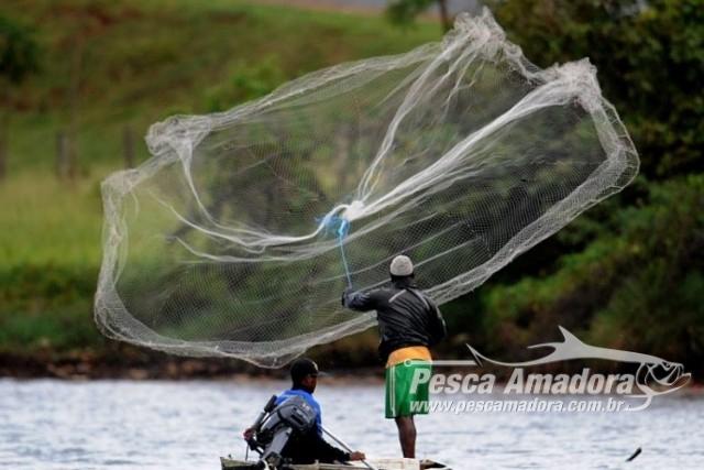 pescador-profissional-redes-de-pesca