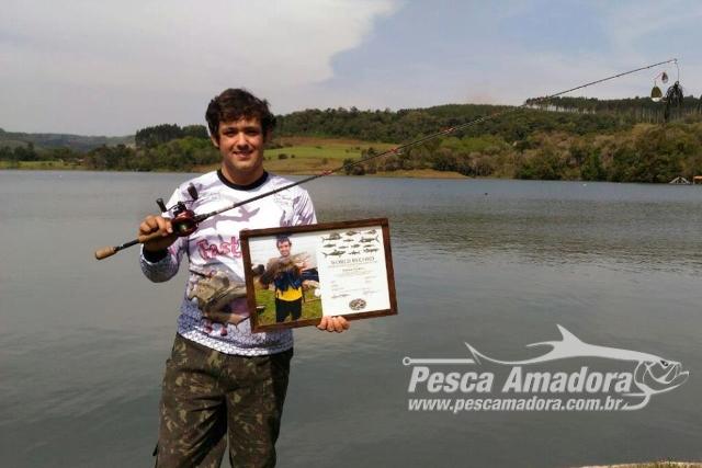 Pescador esportivo recebe certificado da IGFA ao fisgar traira de 4.250 kg e 63 cm no Parana 2