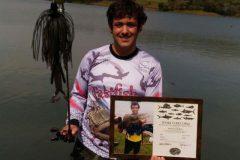 Pescador esportivo recebe certificado da IGFA ao fisgar traira de 4.250 kg e 63 cm no Parana
