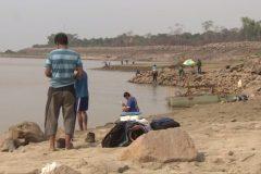 Pescadores amadores ignoram proibicao e pescam proximo a usina em RO 5